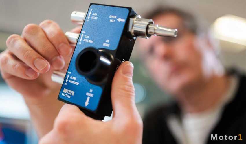 ساخت دستگاه کمک تنفسی بیماران کرونا توسط تیم فرمول یک مرسدس بنز